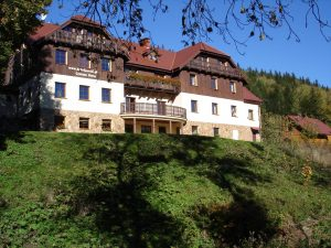 Hotel Górski I Domek latem