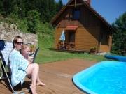 basen z leżakiem